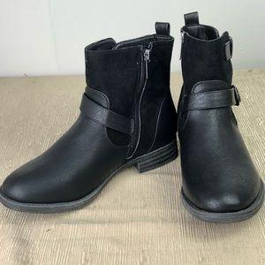 Dept 222 Shoes - Dept 222 Black HARTFORD Booties Size 6 1/2M